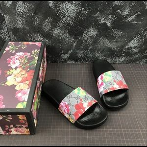 Gucci surpreme Bloom Slides